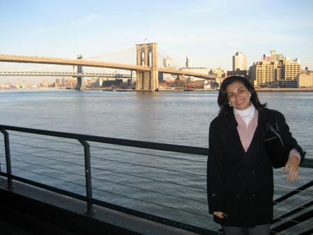 A ponte do Brooklyn vista do Pier 17