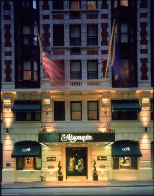 Fonte: http://www.hotelplanner.com/Hotels/18858/Reservations-Algonquin-Hotel-New-York-New-York-59-West-44th-St-10036