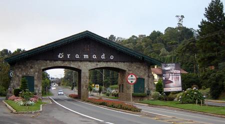 Pórtico - saída para Nova Petrópolis (Fonte: http://www.panoramio.com)