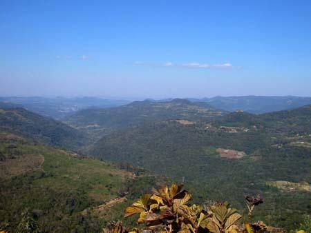 Vale do Quilombo, visto do mirante do Hotel Laje de Pedra