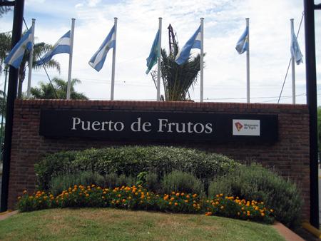 Entrada do Puerto de Frutos