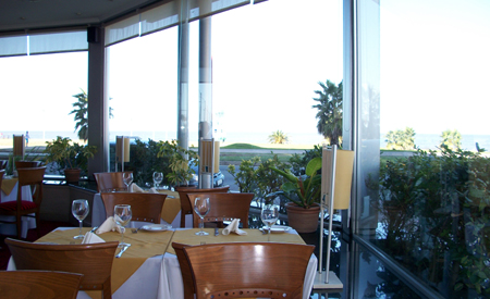 """O restaurante Azzurro e sua vista para o """"mar"""""""