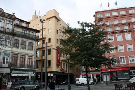 Ibis Lisboa Liberdade & Mercure Porto Centro – Portugal