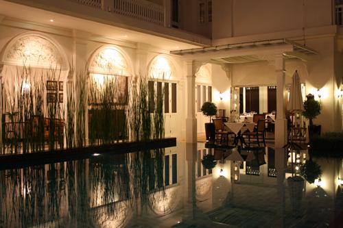 O restaurante visto da piscina