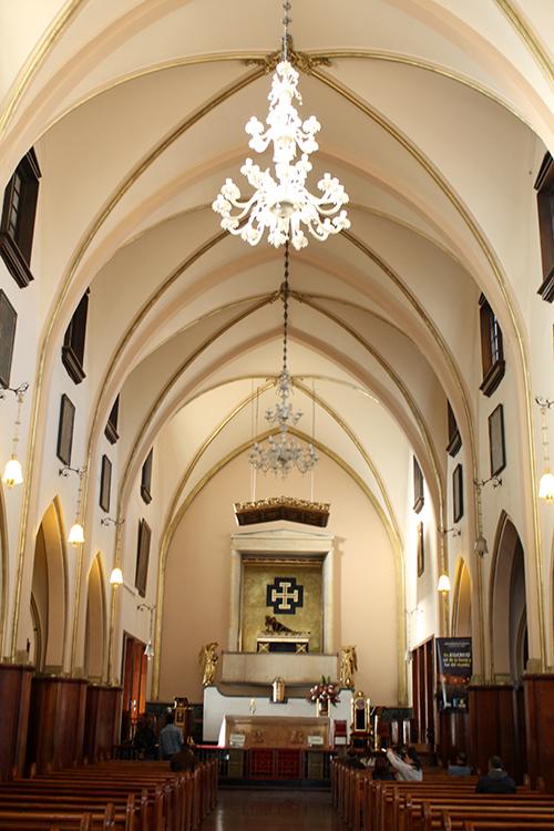 Interior do Santuario de Monserrate