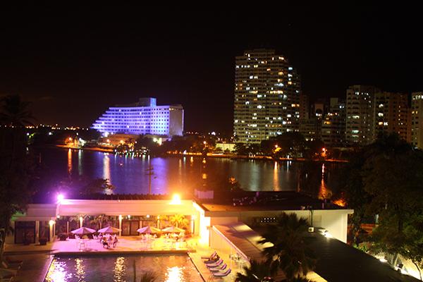 Vista para El Laguito, com o Hotel Hilton ao fundo