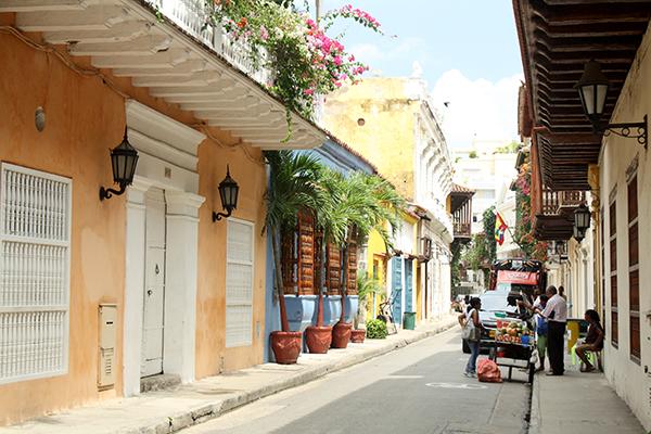 ... pelas ruas de Cartagena