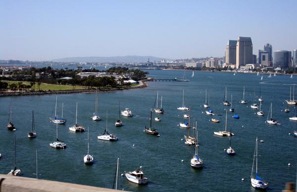 Cruzando a San Diego-Coronado Bay Bridge