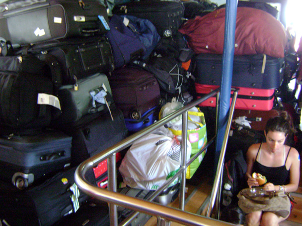 Guarda-bagagem na ferry