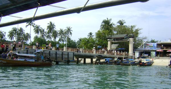 No porto de Phi Phi