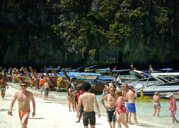 Uma multidão de turistas...