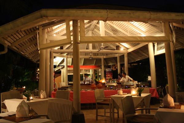 Buffet de jantar no Saboye